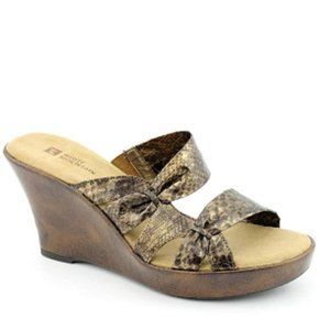 White Mountain Women's Origami Sandal (10, Bronze)